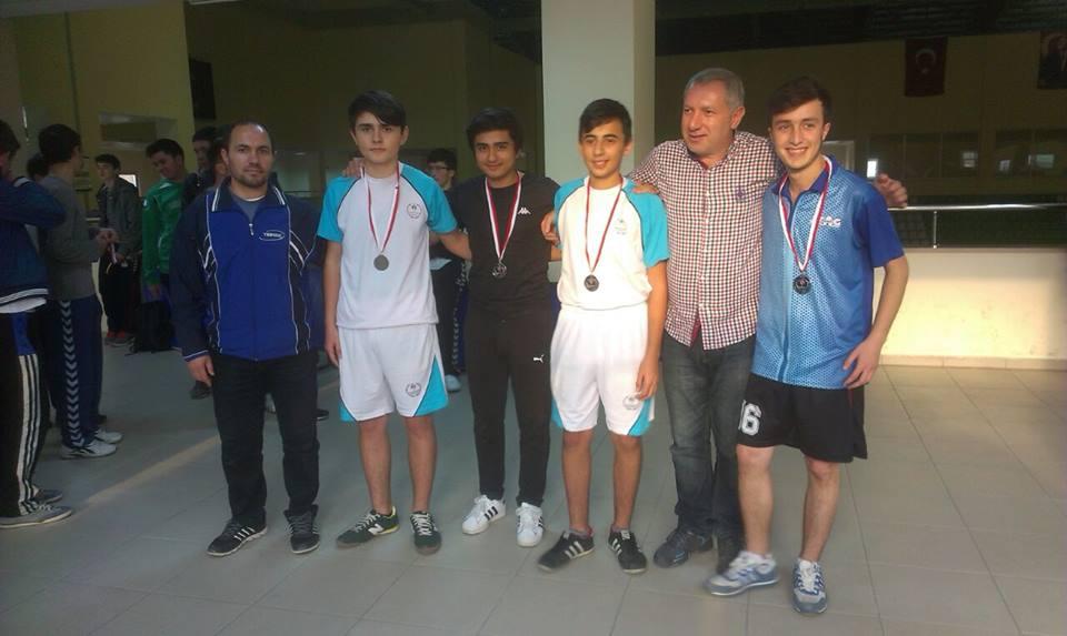 Ünçek Masa Tenisi Takımı'nın Başarısı
