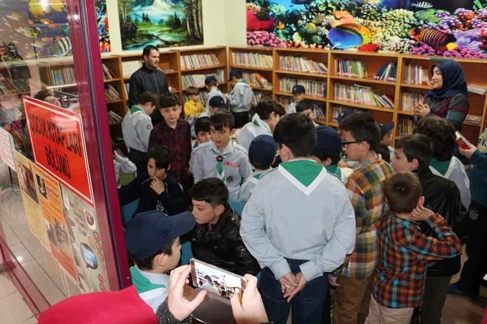 İzcilerimiz Kütüphanecilik Haftası Sebebiyle Ünye Halk Kütüphanesindeydi