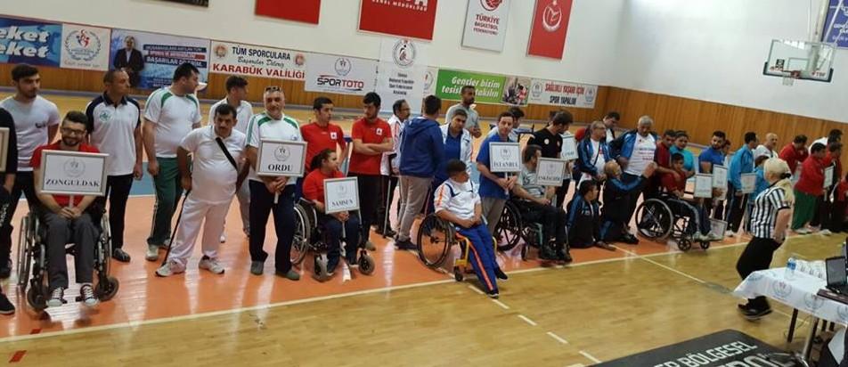 Ünçek Bedensel Engelliler Türkiye Bilek Güreşi Müsabakası'ndan 2 Madalya İle Döndü